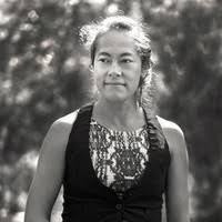 cermonia de apertura con marilu shinn - Marilu Shinn tiene una práctica privada como practicante chamánica desde 2012 y ha sido profesora de Hatha Yoga desde 2005. Su entrenamiento formal incluye el Instituto de Medicina Energética Four Winds y el Instituto de Yoga Mount Madonna, así como un aprendizaje continuo con Nusta Medicine Women. del Perú. Su propio viaje de curación la llevó a encarnar las Antiguas Tradiciones de Sabiduría del Perú y a compartir la Medicina y la Belleza de este Linaje como un camino hacia el Empoderamiento y la Encarnación. Su misión y pasión es reconectar a las mujeres con sus seres auténticos; despertar su conciencia somática a través de las modalidades de yoga y curación chamánica y volver a conectarlos con su sabiduría sagrada innata como los cimientos para llevar una vida plena y plena. Marilu realiza retiros internacionales de empoderamiento de mujeres y ceremonia basada en la tierra en las montañas de Santa Cruz. Ella trabaja en privado con hombres y mujeres.