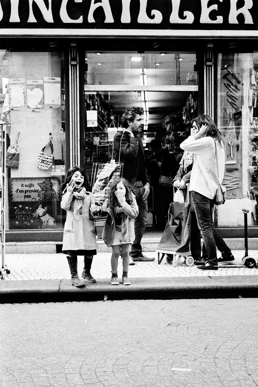 Maud WALAS Street Photography PARIS 06.jpg