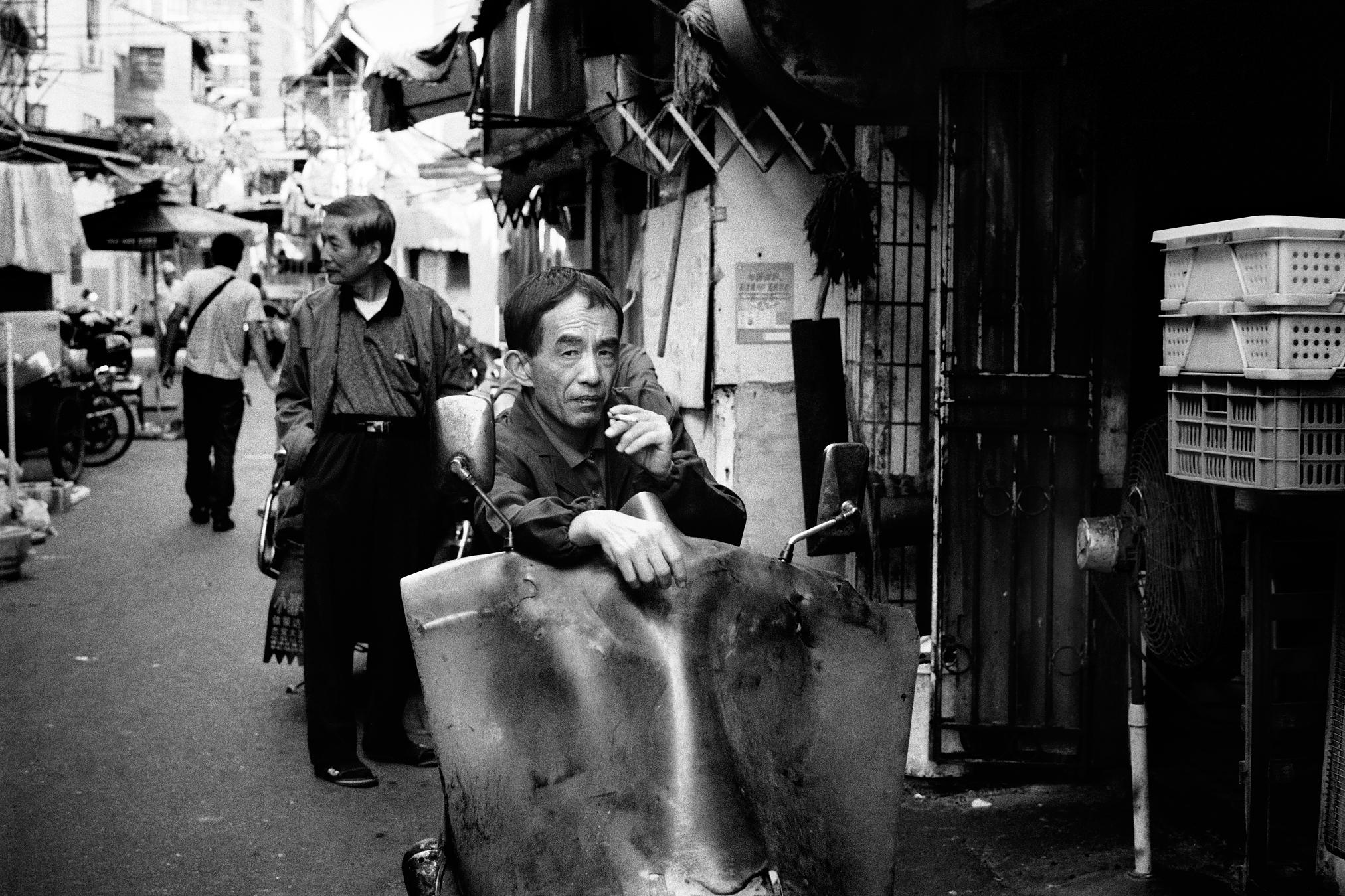 Maud WALAS Street Photography SHANGHAI 01.jpg