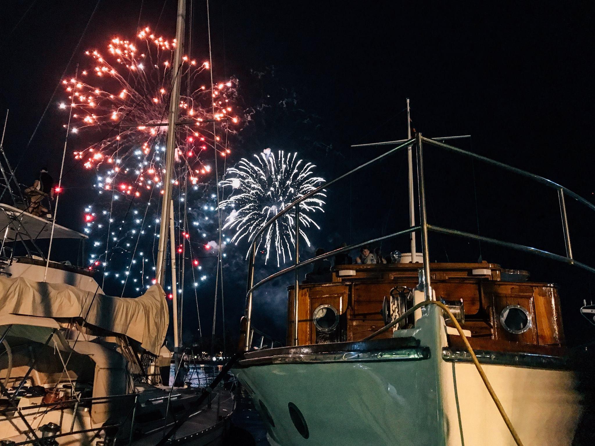 Vida Mia Fireworks.jpg