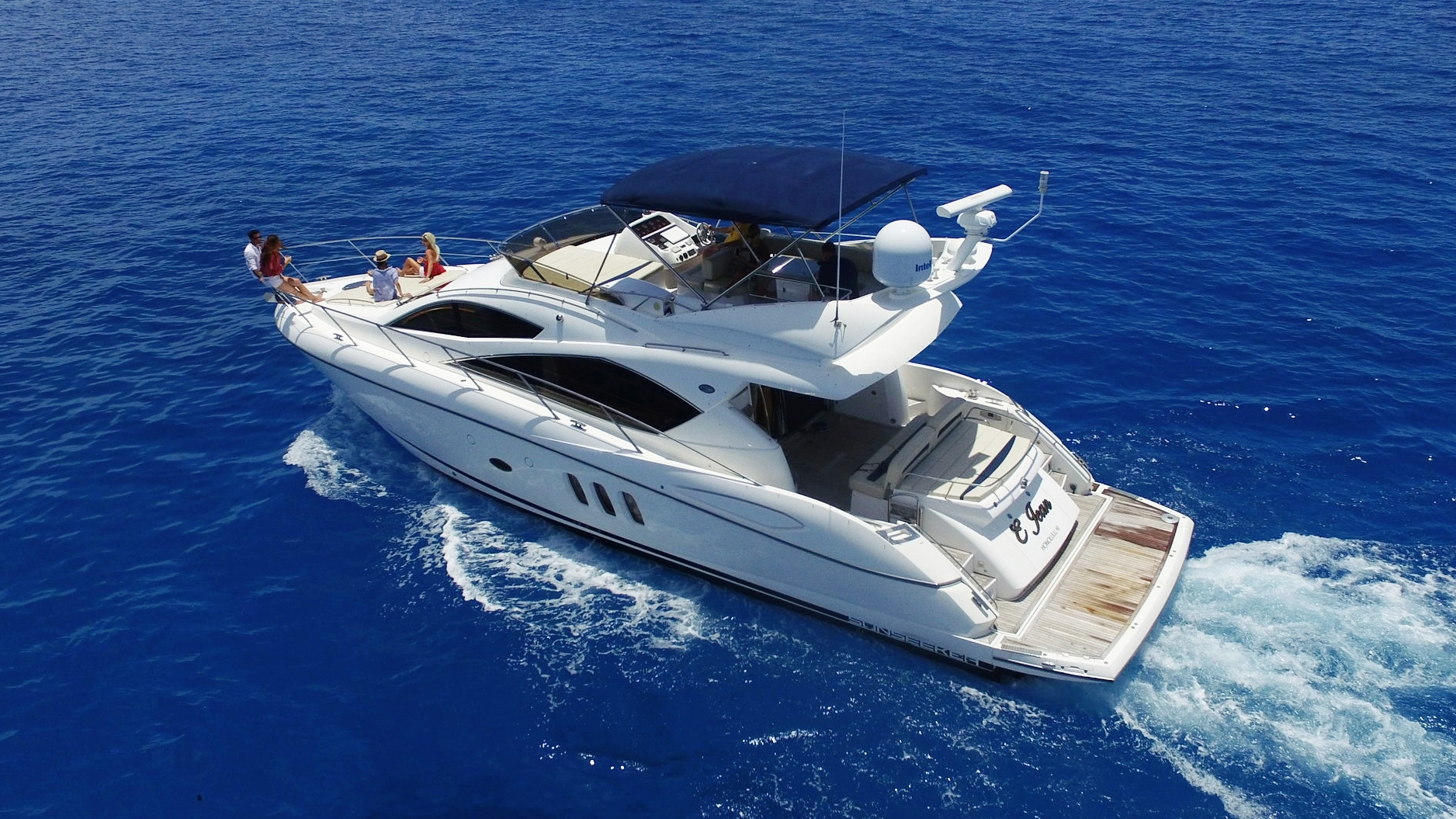 E Jean - Sunseeker 55' Manhattan- For those seeking to bump the expirience up to the next level. This Sunseeker is a great Inter Island and Full Day Charter boat for the Islands