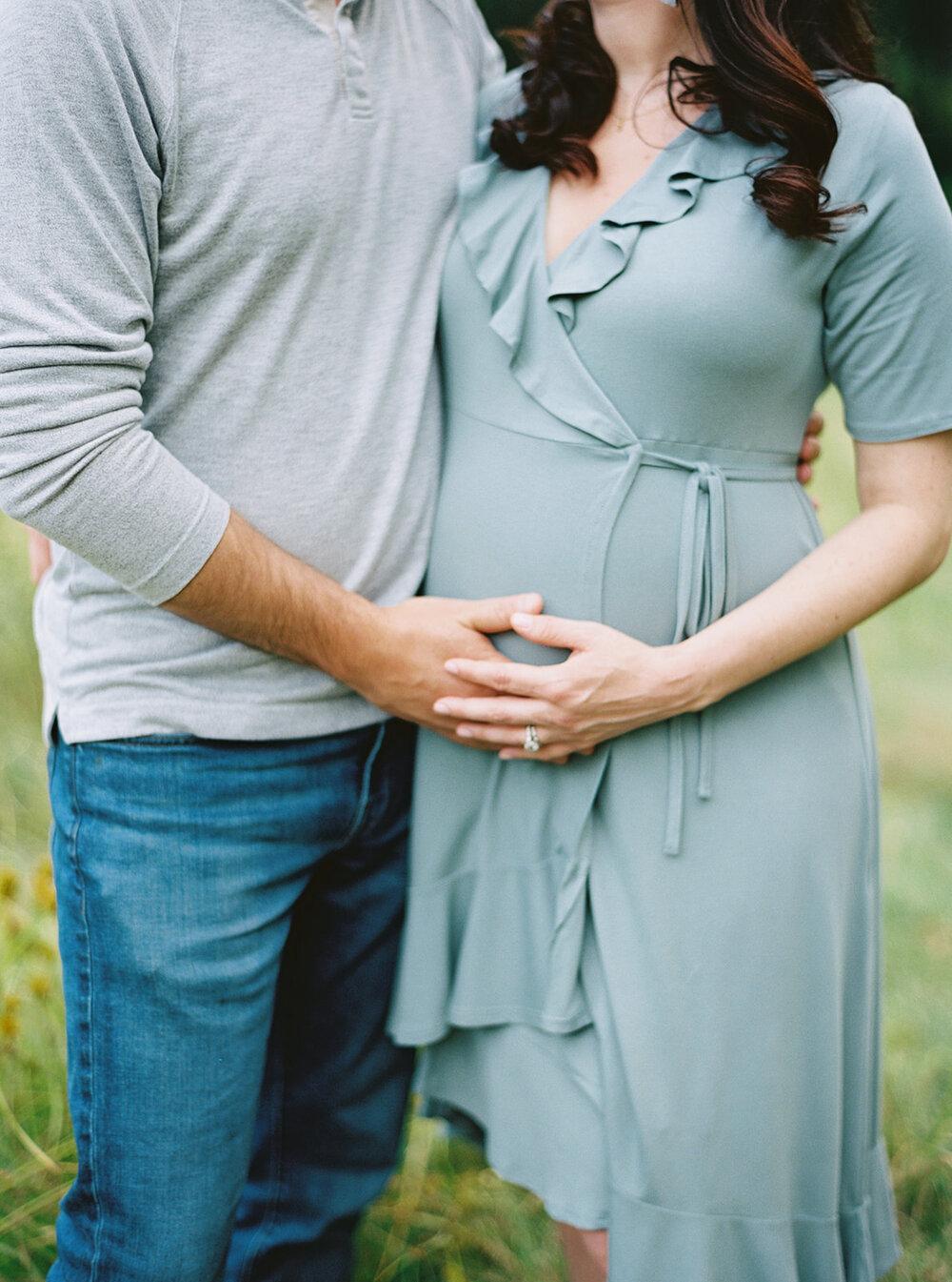hannahcochranphotography-laurendave-maternity-58_websize.jpg