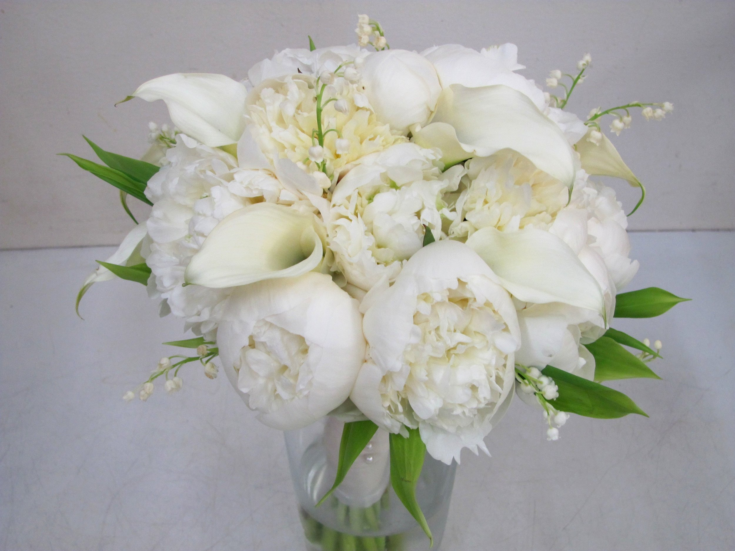 bouquetwhitees.jpg