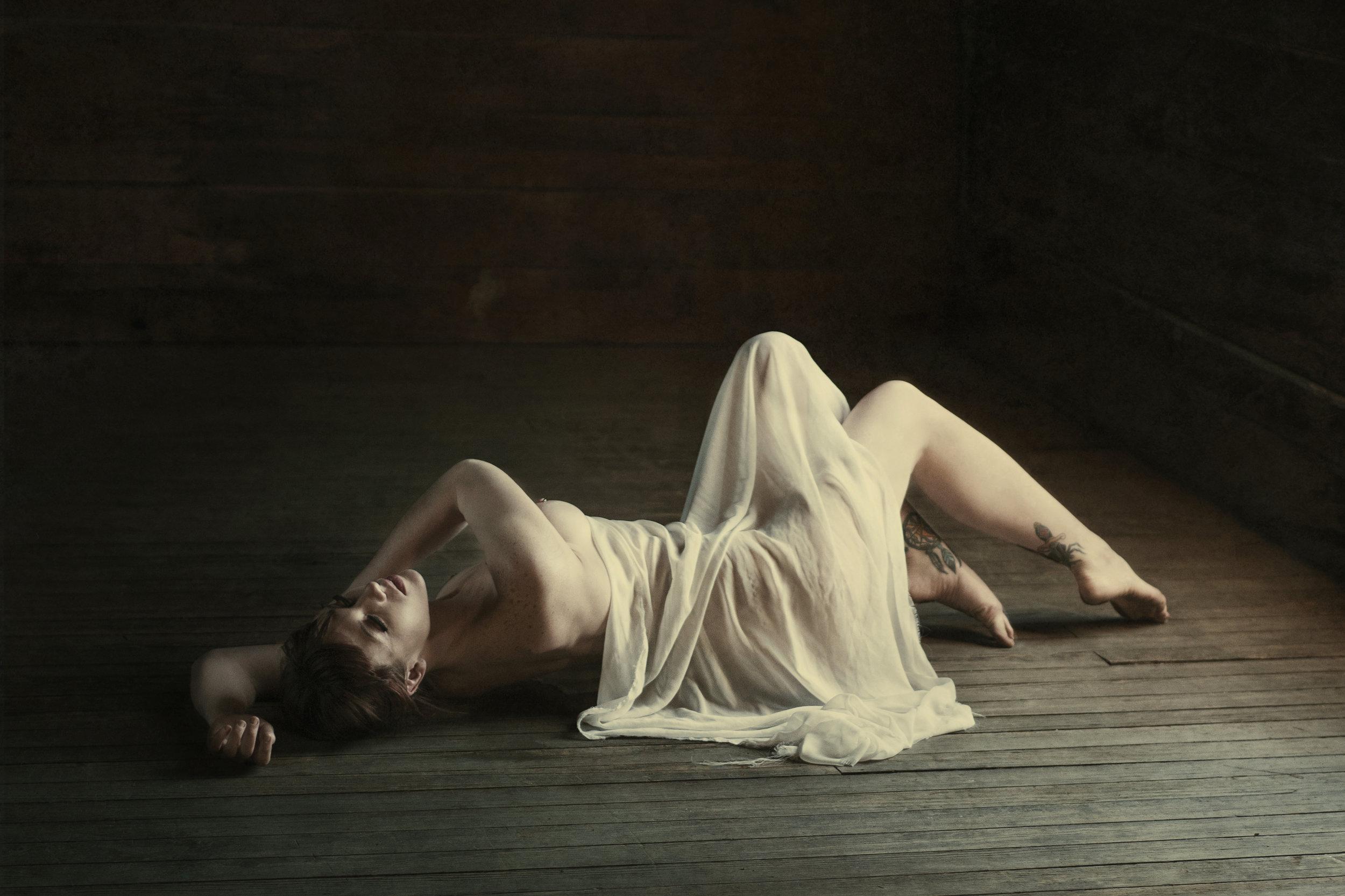 nude girl with chiffon.jpg