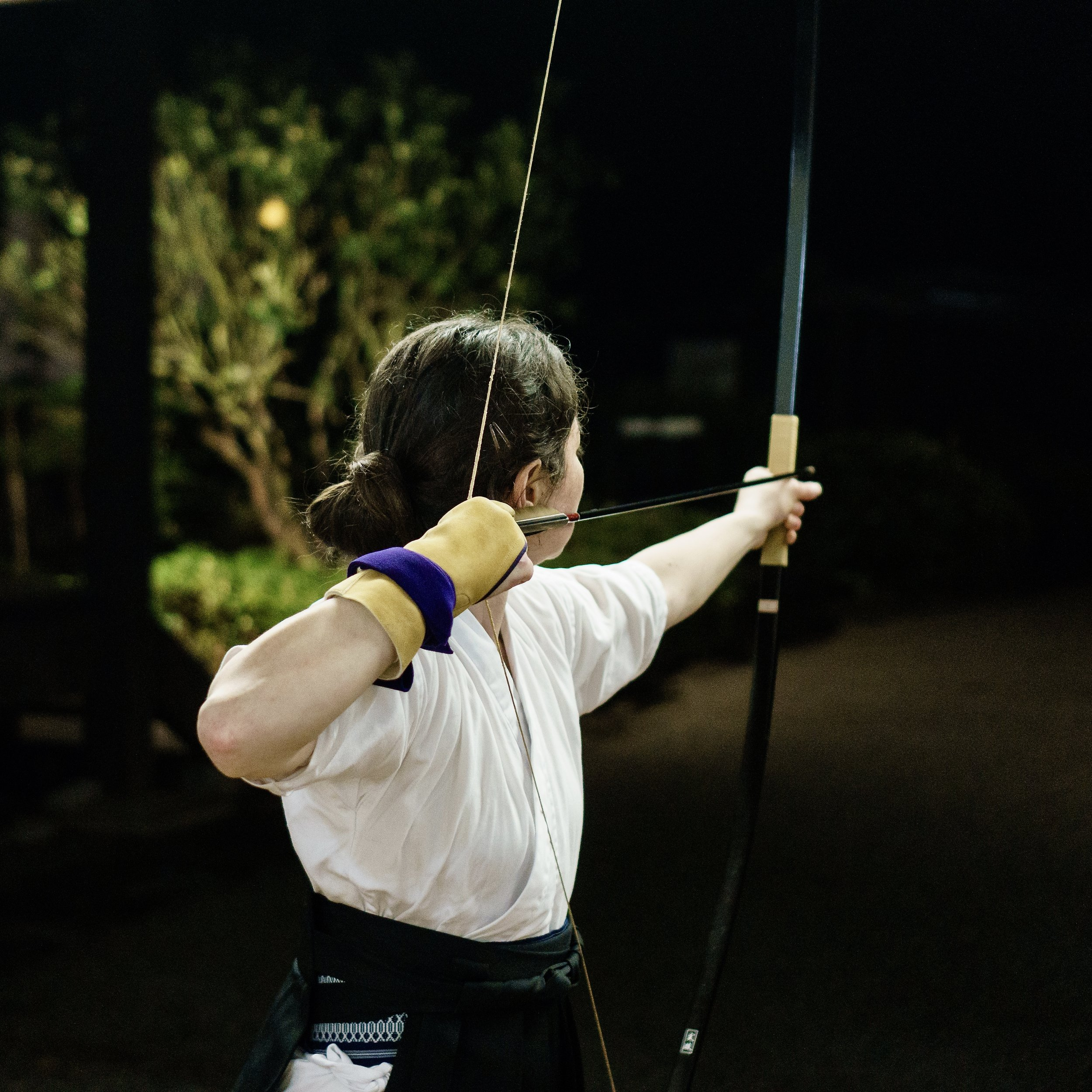 Anita Taylor practicing Kyudo at Chozen-ji.