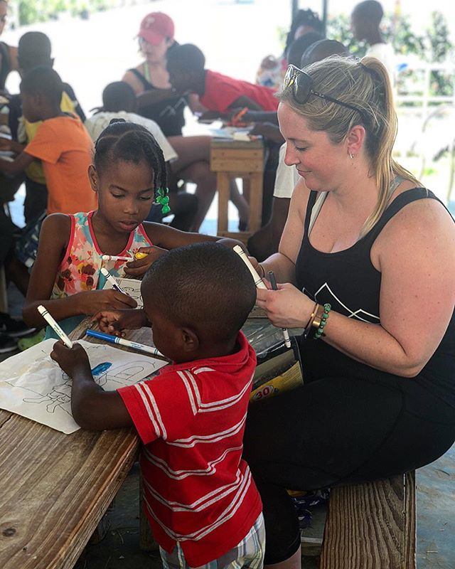 DYK: Haiti's literacy rates rank among some of the lowest in the Western Hemisphere at about 61%. Our social impact partner, Redeemer's Child, is committed to not only educating the children they care for, but for those in the community. They have built a school, created a library, and grow fresh fruits and vegetables for their kids and those in the community. We hope you can join us in January to see some of the amazing work firsthand! And if not, we have some great merchandise available and 100% of profits go directly to our partner! * 📸: @paradigmyogaretreats