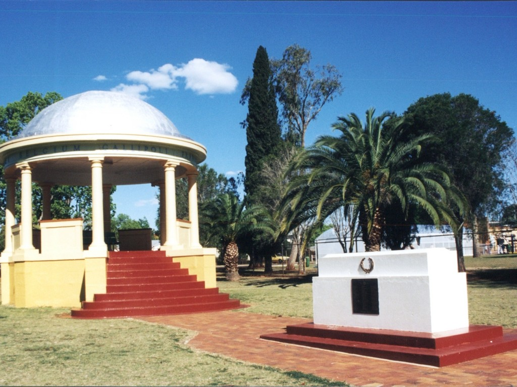 Memorial Park and the Kingaroy War Memorial