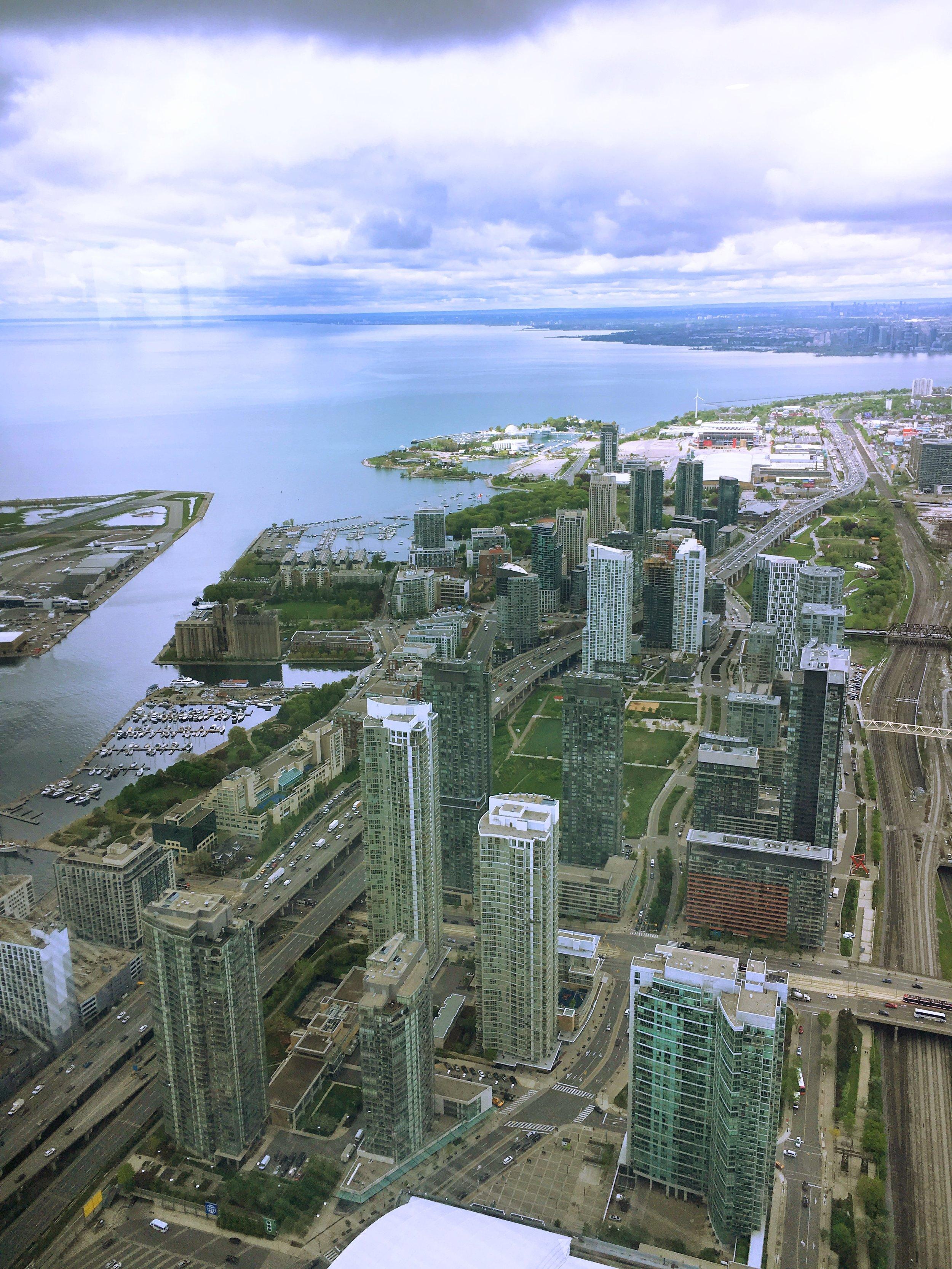 Toronto CN Tower 2.jpg