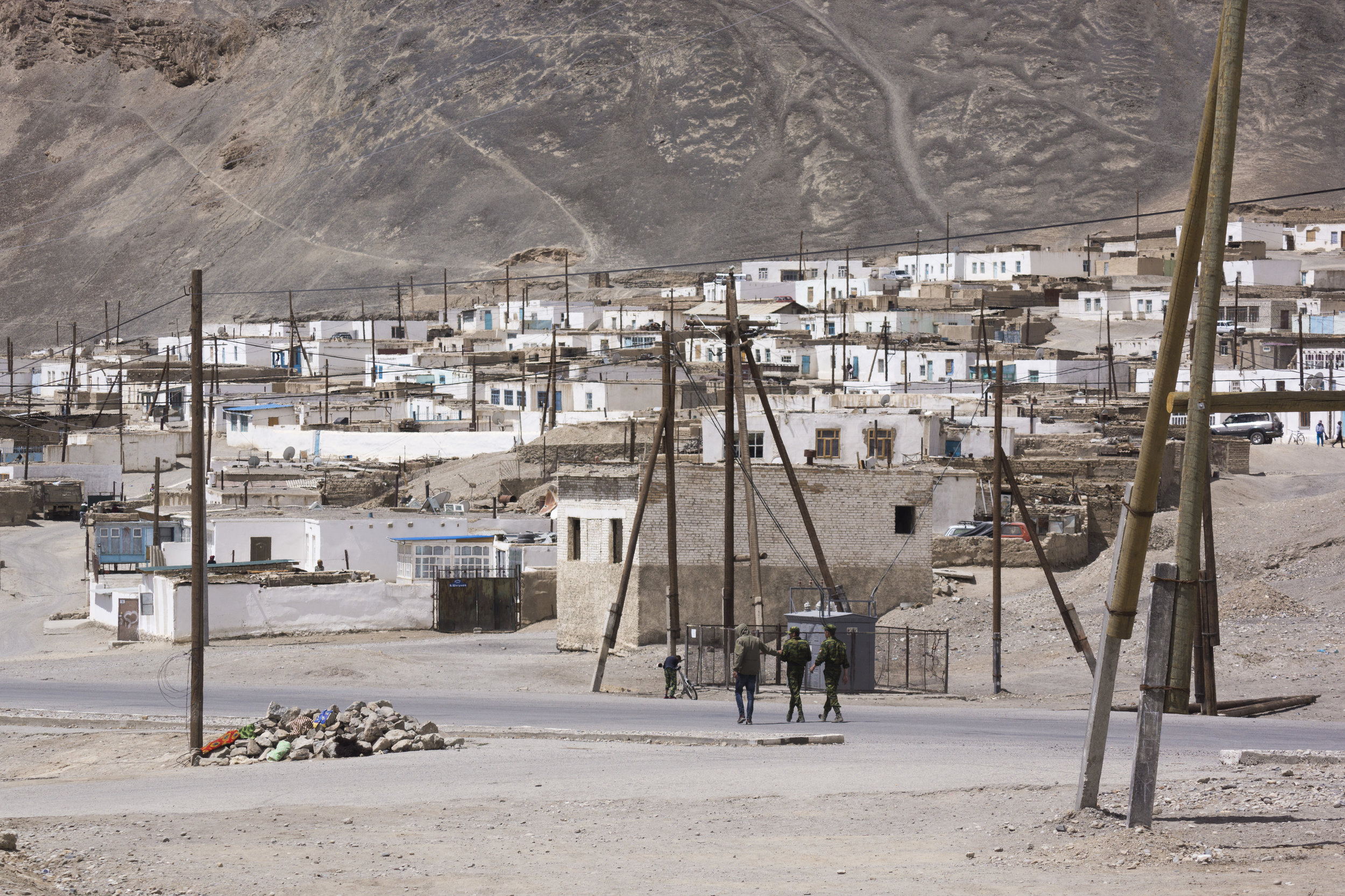 Soldiers wander in Murghab.