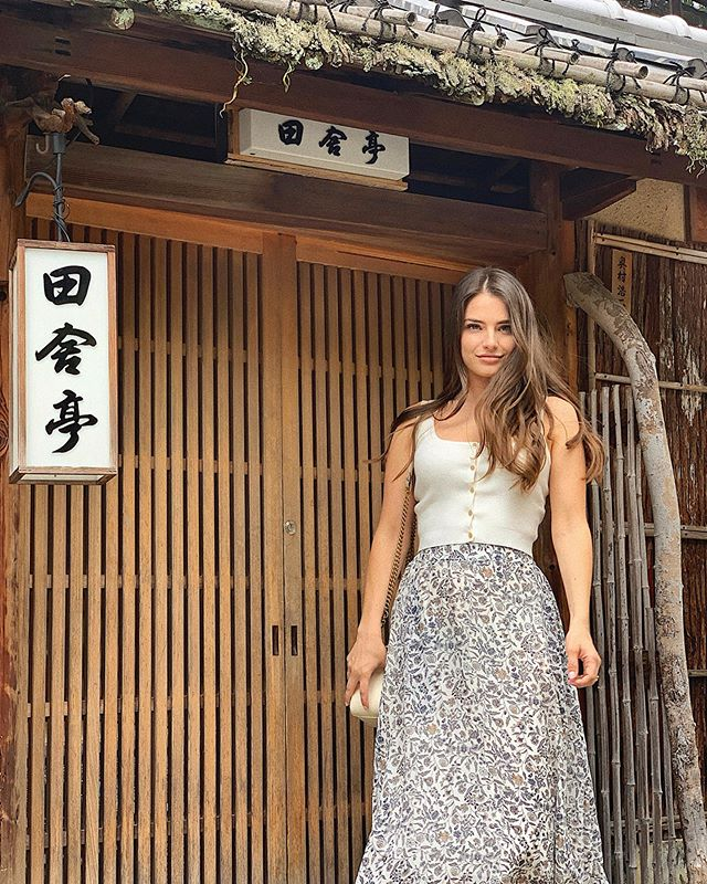 Kyoto is my favorite city in Japan because of its old world charm. This time we got to explore the preserved districts of Sannenzaka and Ninenzaka, which were so beautiful, and now what I'm looking forward to seeing most when I come back! #kyoto #japan #explore