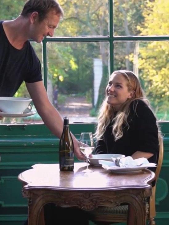 """""""Een plek die bij het leven past is vaak een kroeg of lievelings-restaurant."""" - Horecamagazine Food Inspiration vroeg me naar de kansen voor horecaondernemers om in te spelen op uitvaarttrends."""