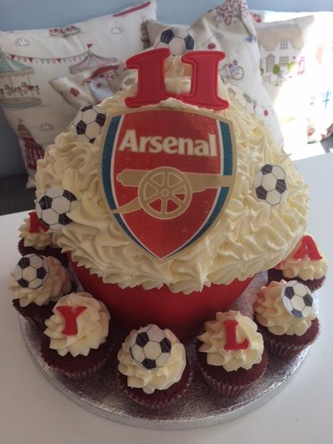 Arsenal Football Giant Cupcake.JPG
