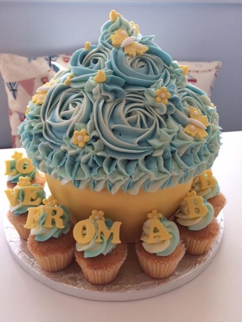 Yellow n Blue Giant Cupcake.JPG