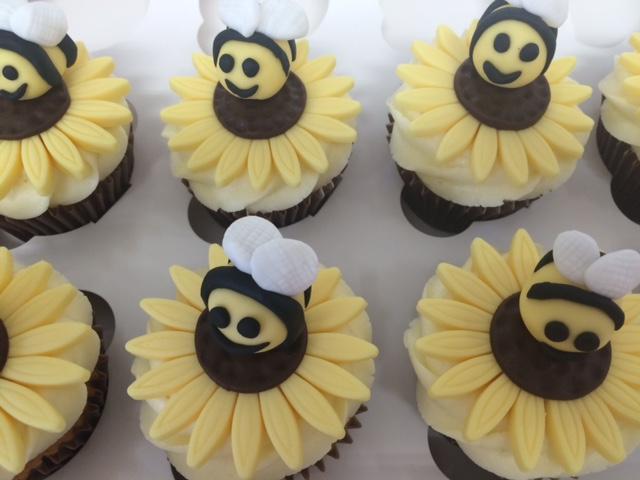 Bee Cupcakes.JPG
