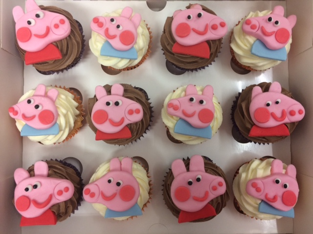Peppa n George Cupcakes.jpg