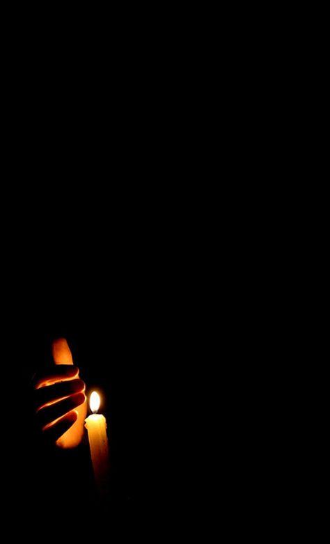 907e96d0defbaf22cdbc4b54ee86b996--candlelight-photography-darkness-photography.jpg