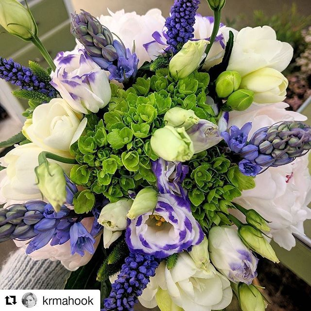Mother's Day and Spring flowers are the perfect combination #edwardsflorist #edwardswinnetka #mothersday #mothersdayflowers #mothersdaybouquet #Repost @krmahook with @repostapp ・・・ My favorite colors 💚💜 #greenandpurple #springflowers #florals #spring #bouquet #hydrangea #lisianthus #peonies #tulips #floristlife