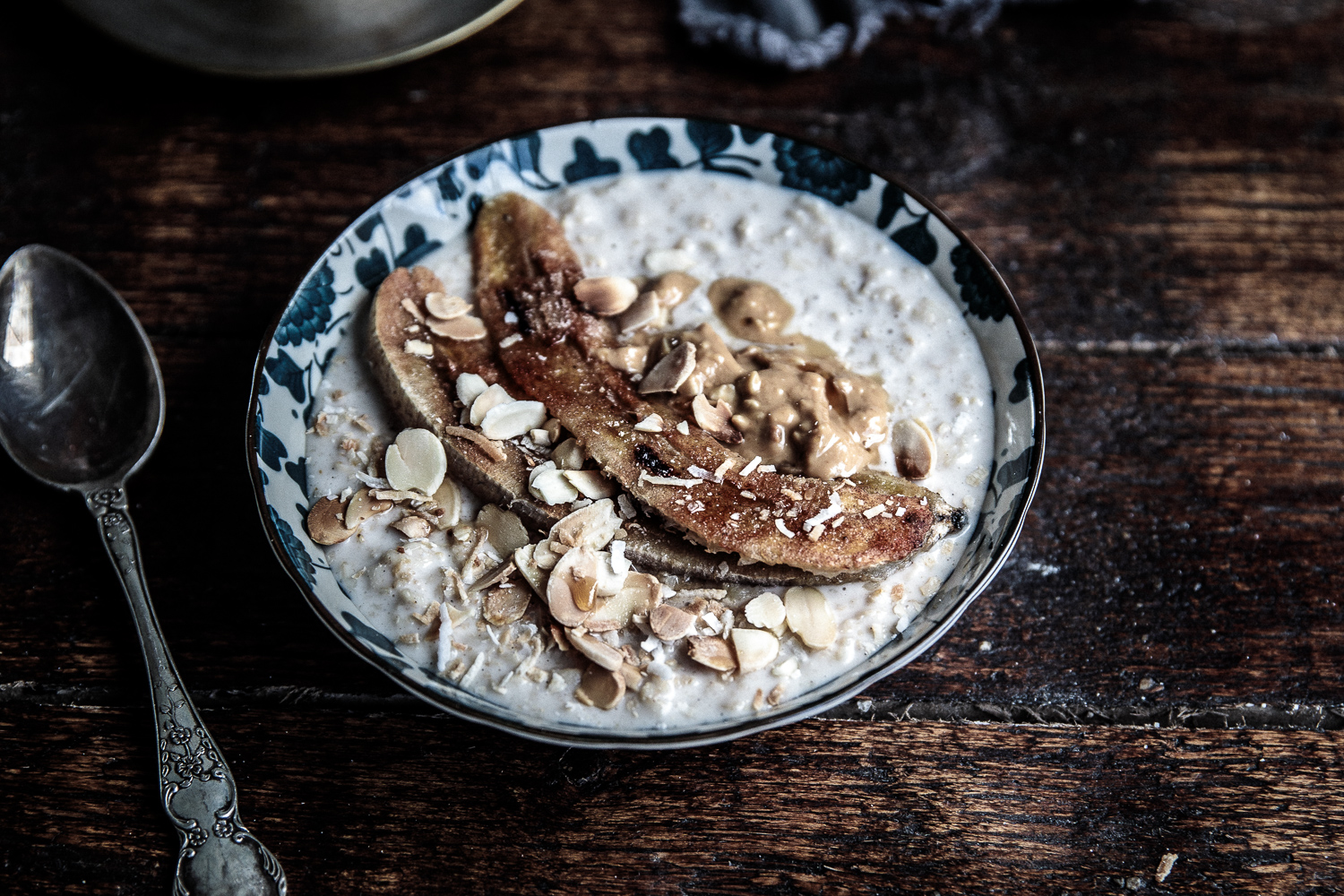 Lightweight Recipes: Roasted banana porridge with cinammon
