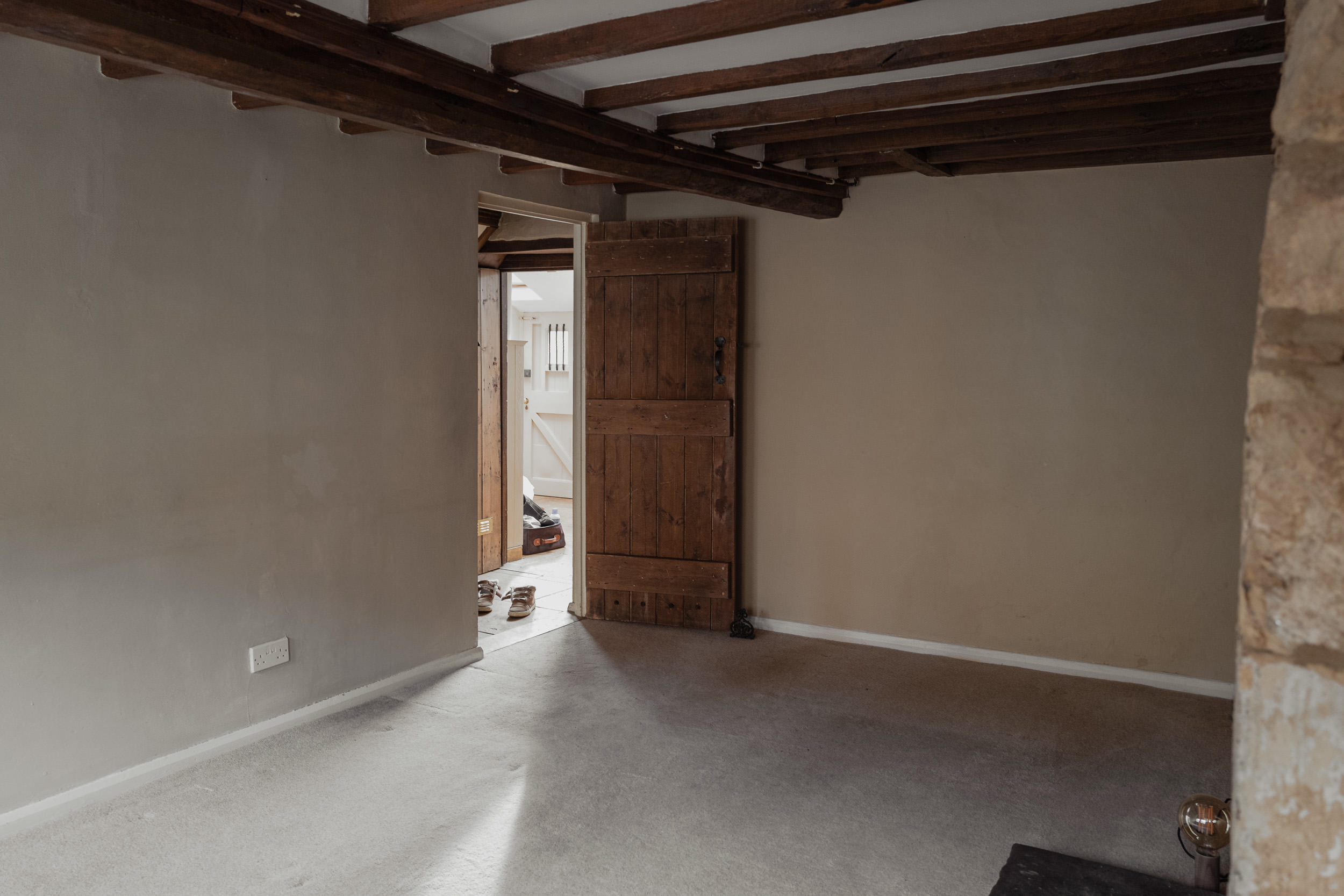 Cotswolds Cottage, before pictures, living room