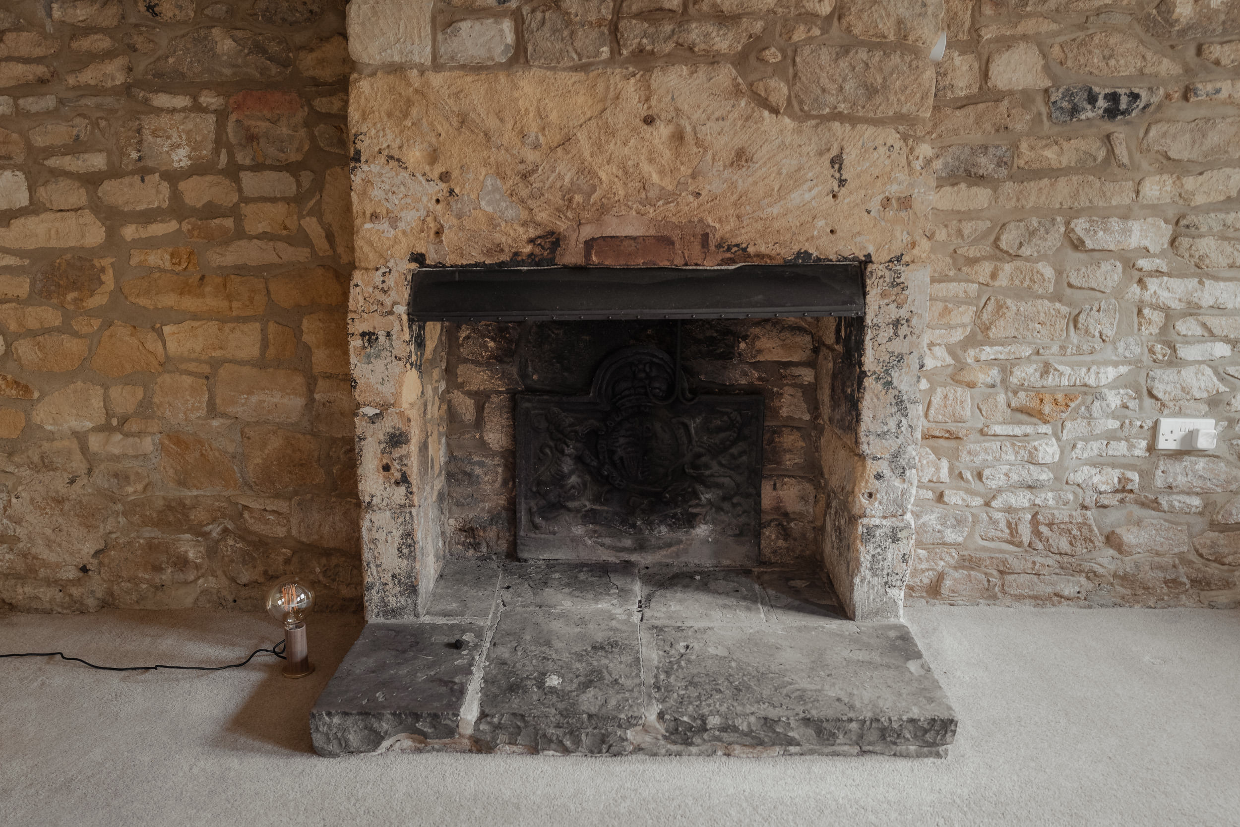 Cotswolds Cottage, before pictures, living room, fireplace