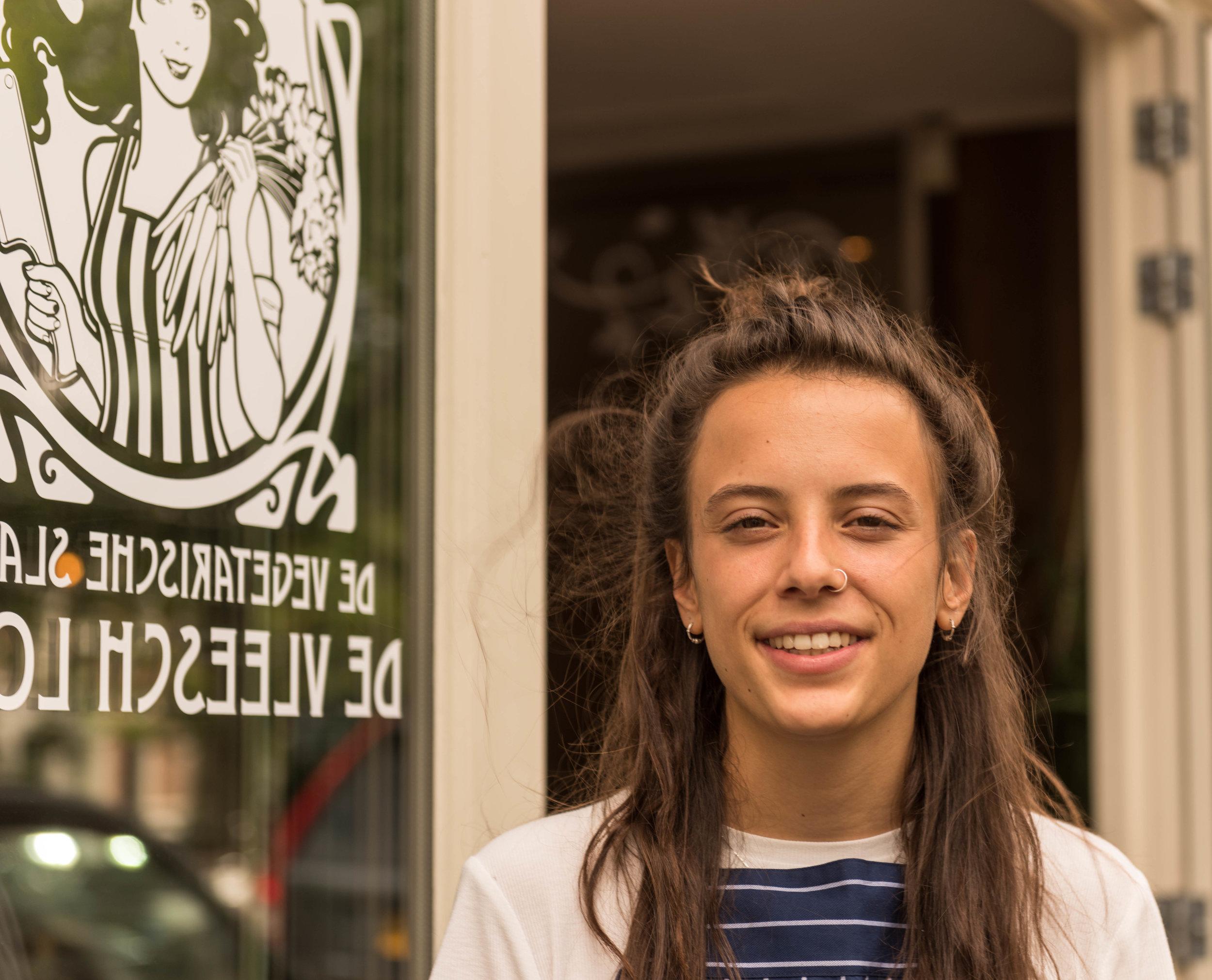 Sophie, a waiter at De Vleesch Lobby