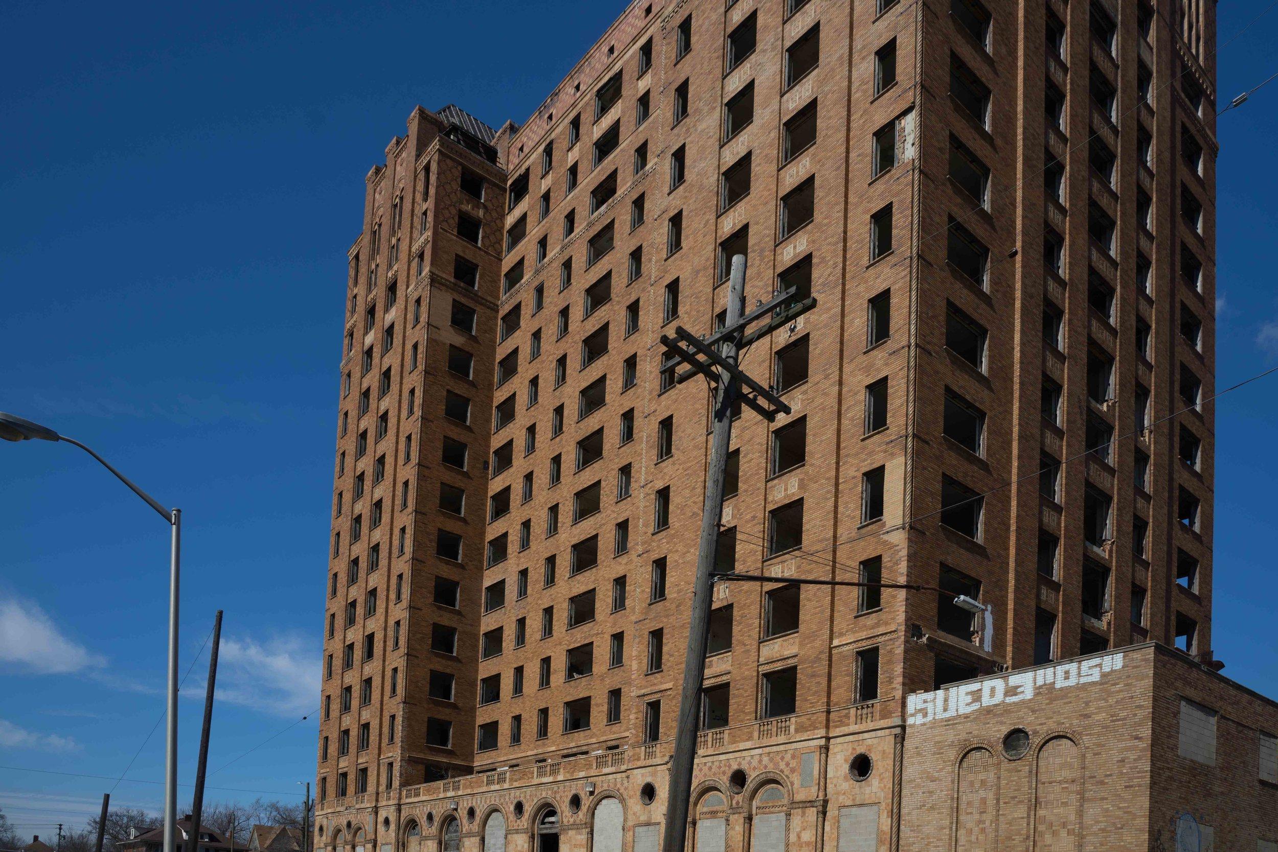 Detroit 1-82.jpg