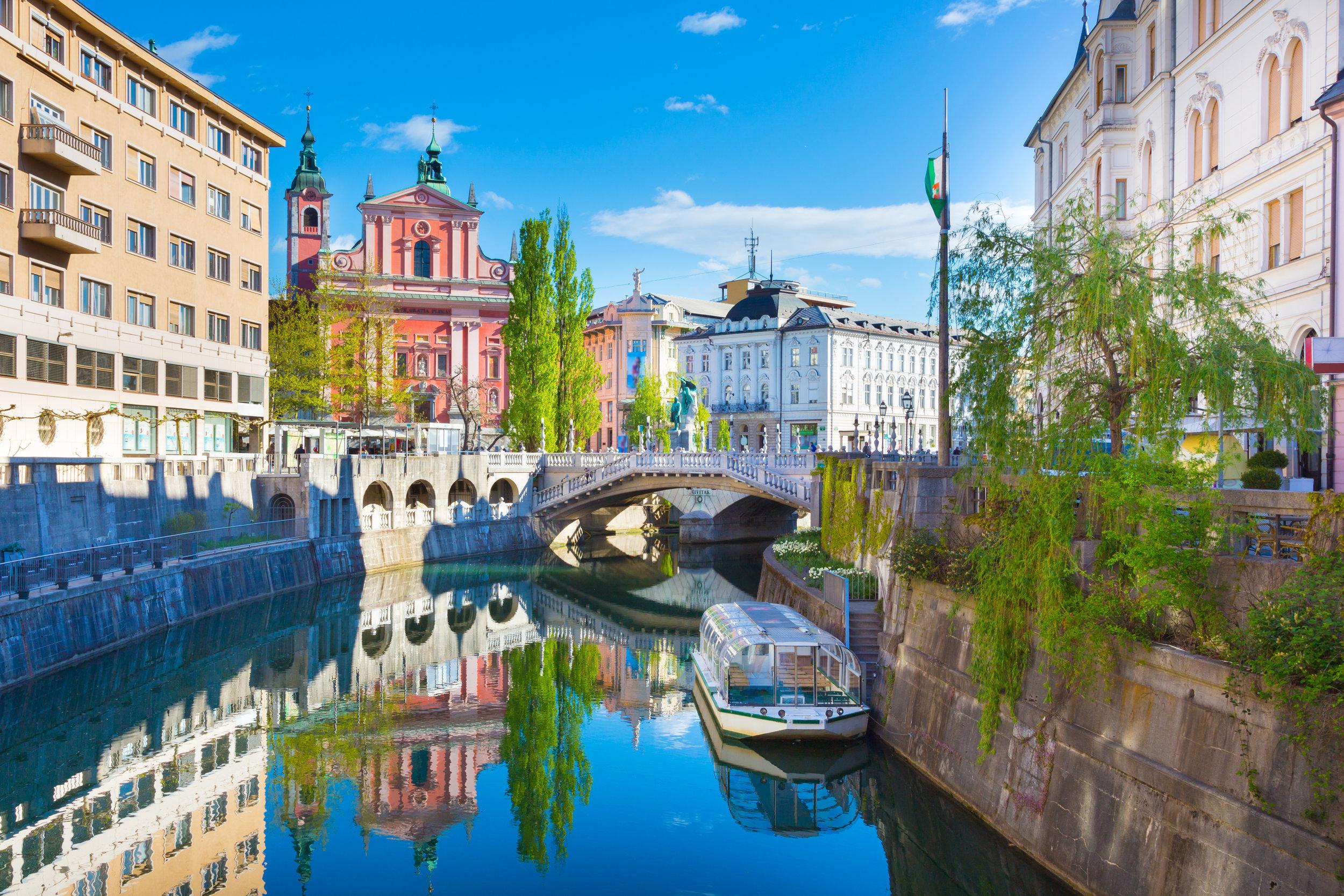 Ljubljana-riverbanks-view-Mostphotos.jpg