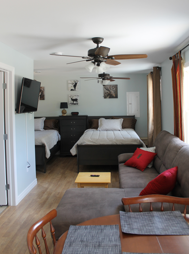 Both cottages have flat screen TV & free wifi