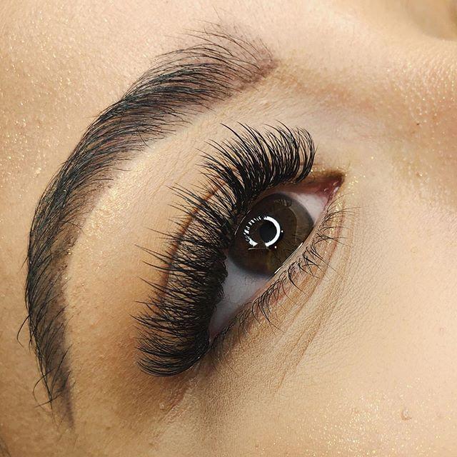 Textured hybrid lashes 🖤
