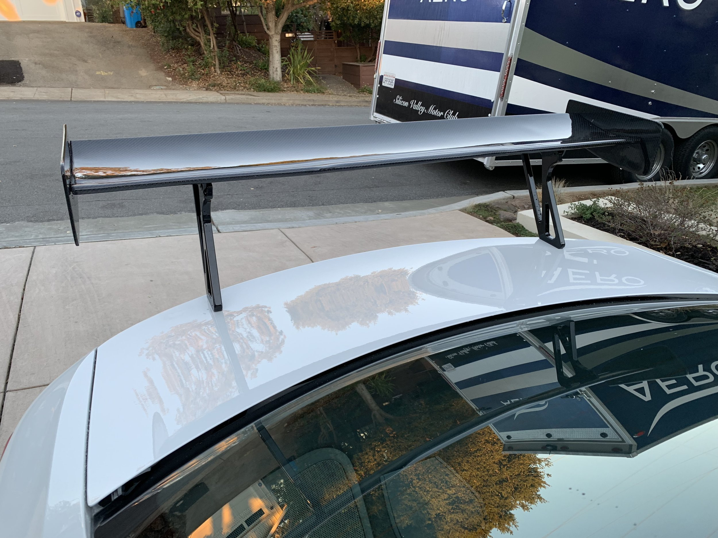 RW Carbon racing wing