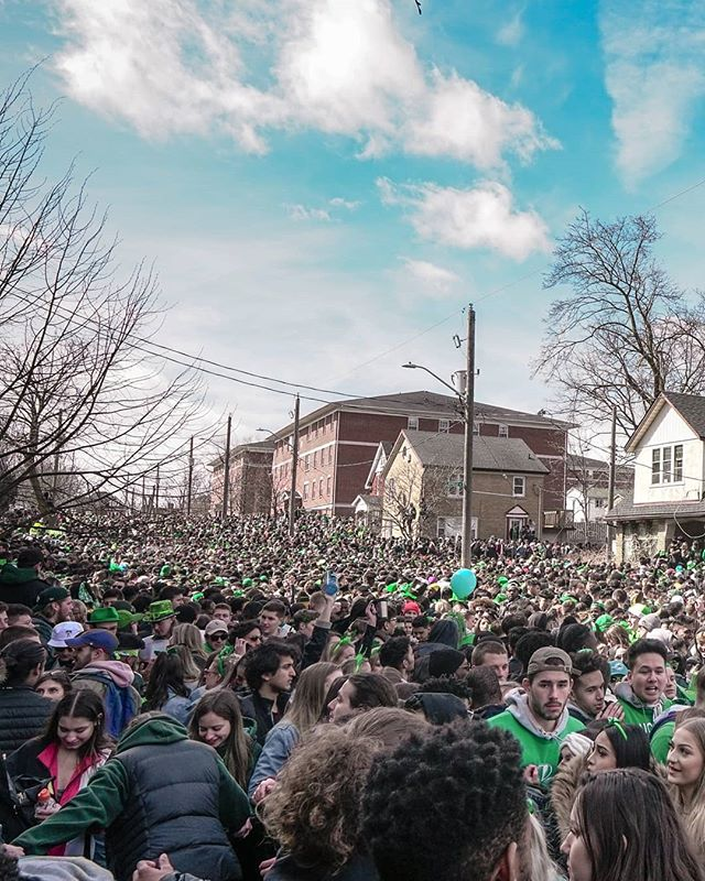 St Patrick's Day on Ezra Street  has grown to become one of largest student gatherings in the province (and perhaps the country). This year I took to the streets in search of the best photo ops. Stay tuned for the video I'll be releasing later this week👀 - - - - - #waterlooregion #createexplore #createexploretakeover #peopleinsquare #peopleinframe #ontario #laurierlove #ontarioforyou #createcommune #explorecanada #uw #kitchenerwaterloo #streetshared #toomanypeople #couldbarelywalk #wlu #ezrastreet2019 #sonyalpha #imagesofcanada #waterlooregionphotographer #a6300 #🇨🇦 #waterloophotographer #stpatricksday #ezrastreet #ezra #cc5k