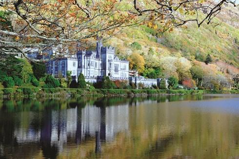 Lâu đài Kylemore ở Galway
