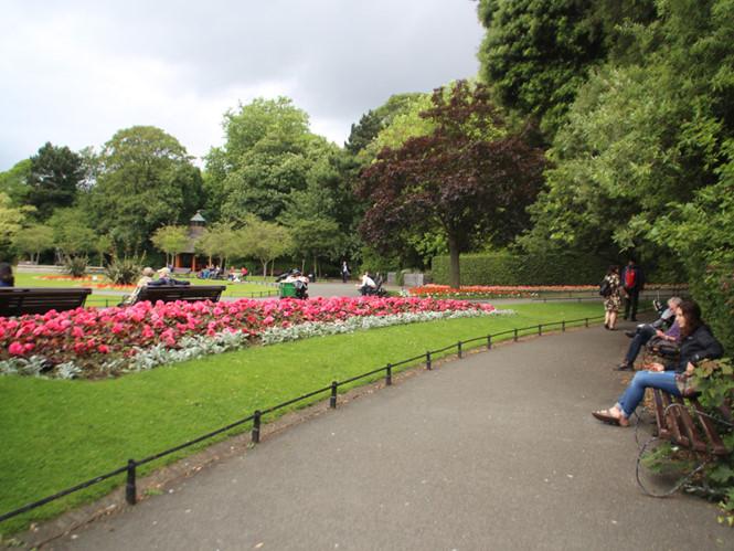 Khung cảnh yên bình trong công viên St.Stephen's Green
