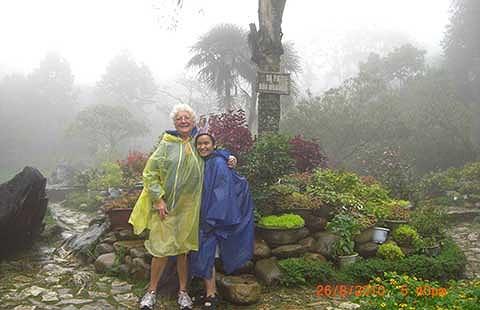 Trong ảnh: Úna Minh và mẹ ở Sa Pa.
