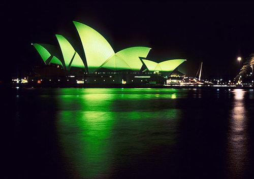 Nhuộm xanh nhà hát con sò Sydney