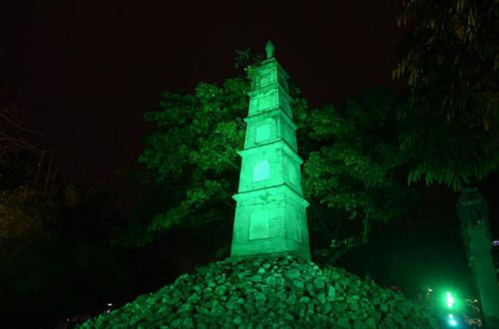 Nhuộm xanh Tháp Bút - Hà Nội, Việt Nam - Ireland Day 2018