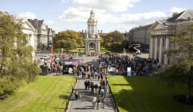 Trinity Dublin là trường đại học đầu tiên và cổ nhất Ireland và là 1 trong 20 trường đại học cổ nhất thế giới