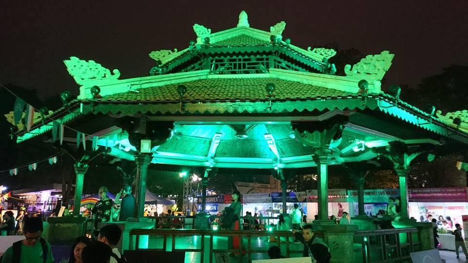 Năm 2017, Hà Nội trở thành quốc gia đầu tiên ở Đông Nam Á tham gia Chiến dịch Nhuộm xanh Toàn cầu nhân dịp Quốc khánh Ireland, với Nhà Bát giác tại Công viên Lý Thái Tổ 'nhuộm xanh' vào ngày Thánh Patrick 17/3.