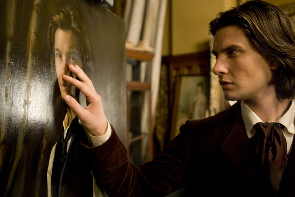 Cảnh trong phim The picture of Dorian Gray bản năm 2009 - Ảnh: IMDb