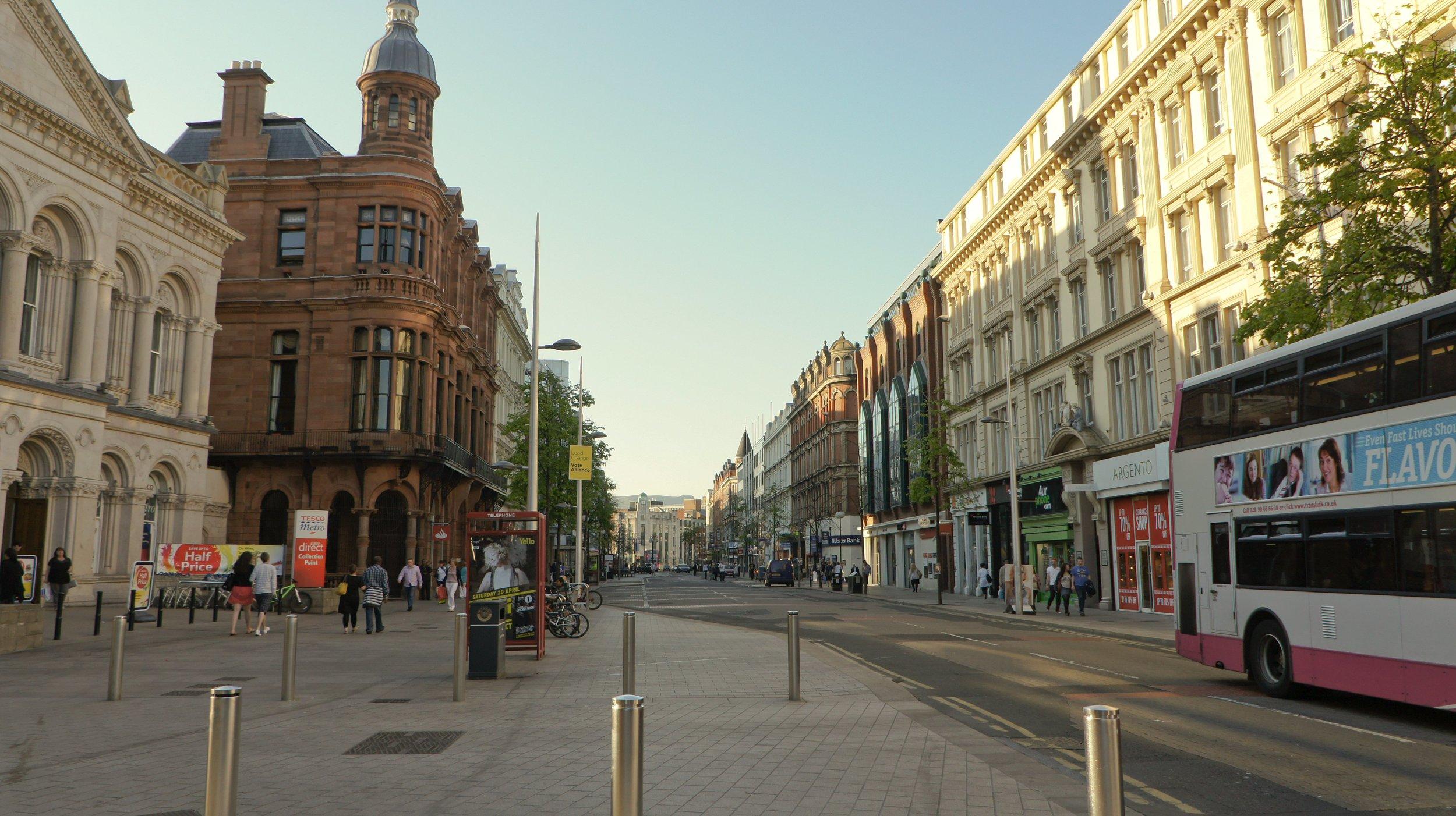 Đại lộ Hoàng Gia ở Belfast. Nguồn ảnh: Wikipedia