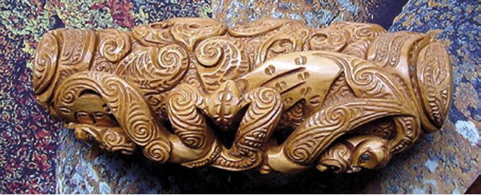 A koauau carved in maire, an extremely hard wood