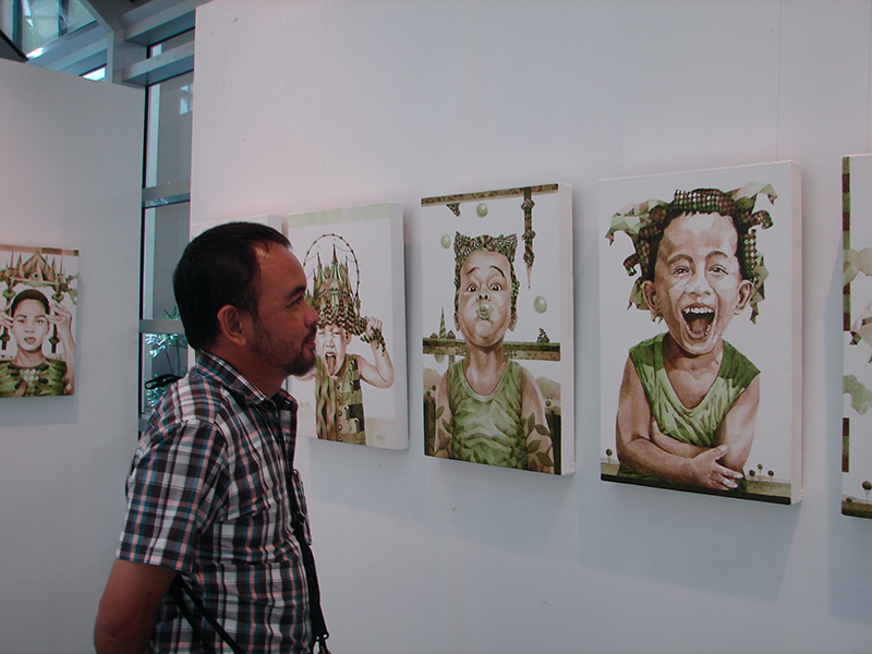 Eros during his third solo show at ArtistSpace Ayala Museum. 2013