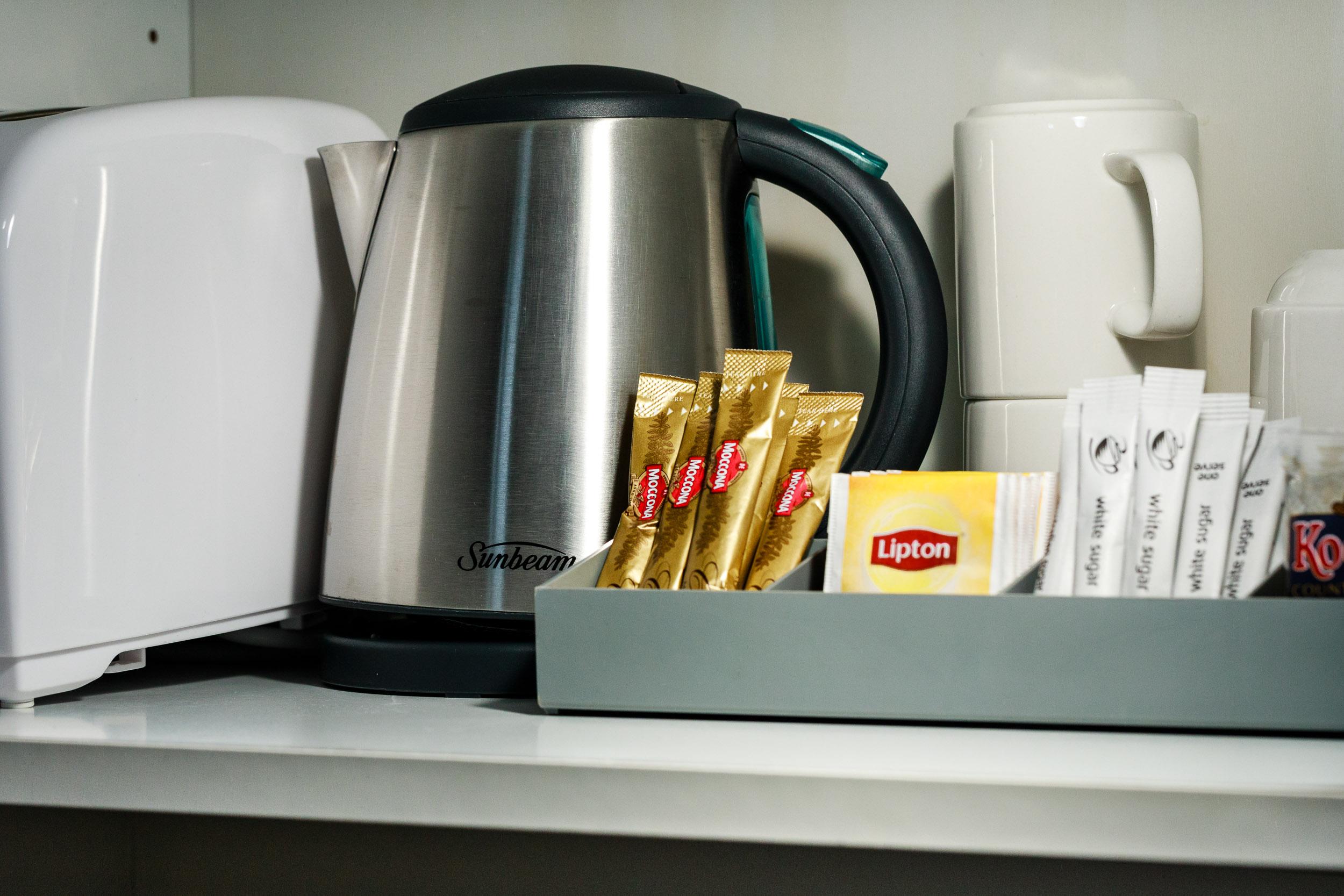 Tea, Coffee & Toaster
