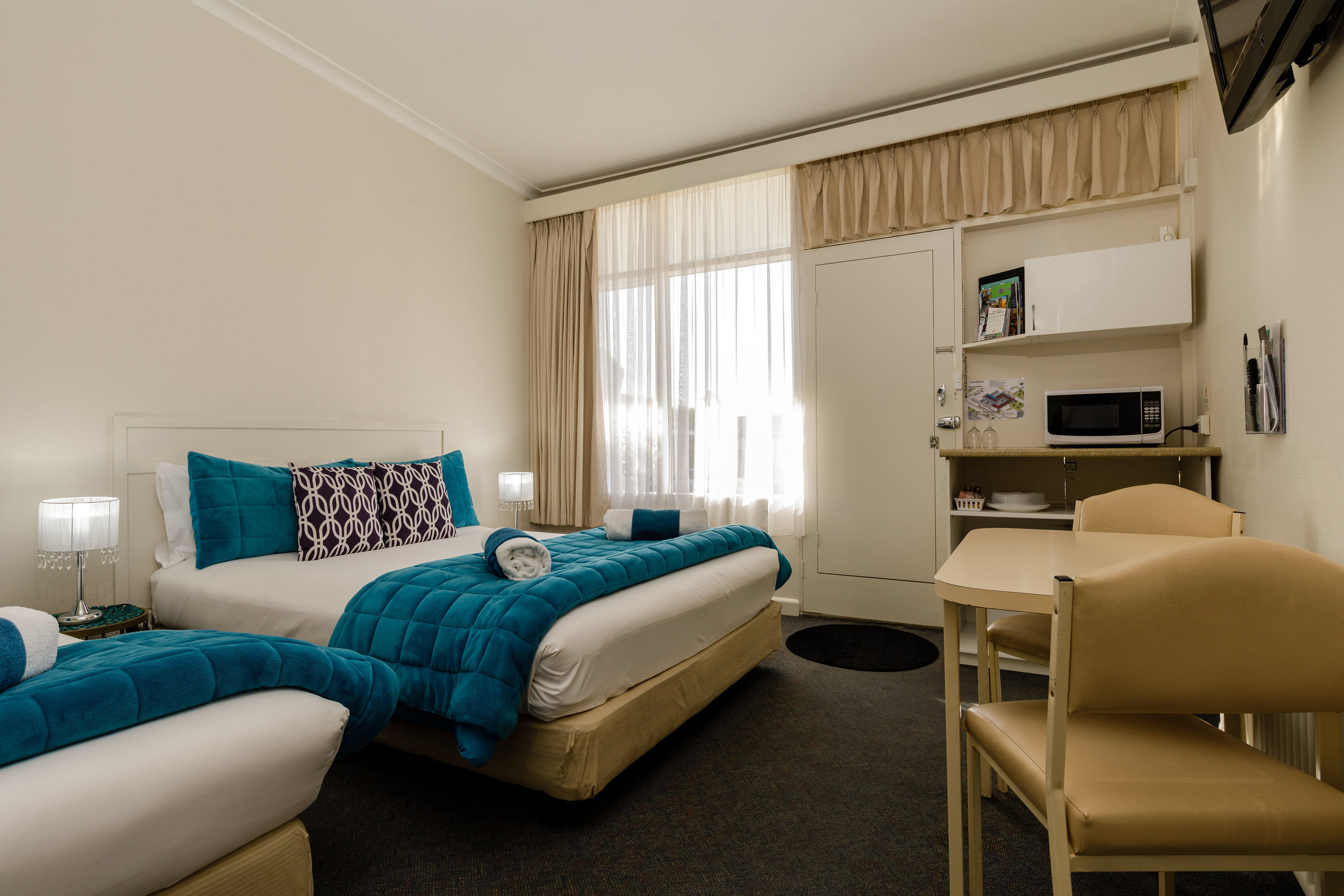 3. Twin Room With Queen And Single Bed 2.jpg