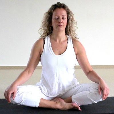 Yogaschoolsukha.jpg