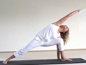 yogaschoolUtparsvakon.jpg