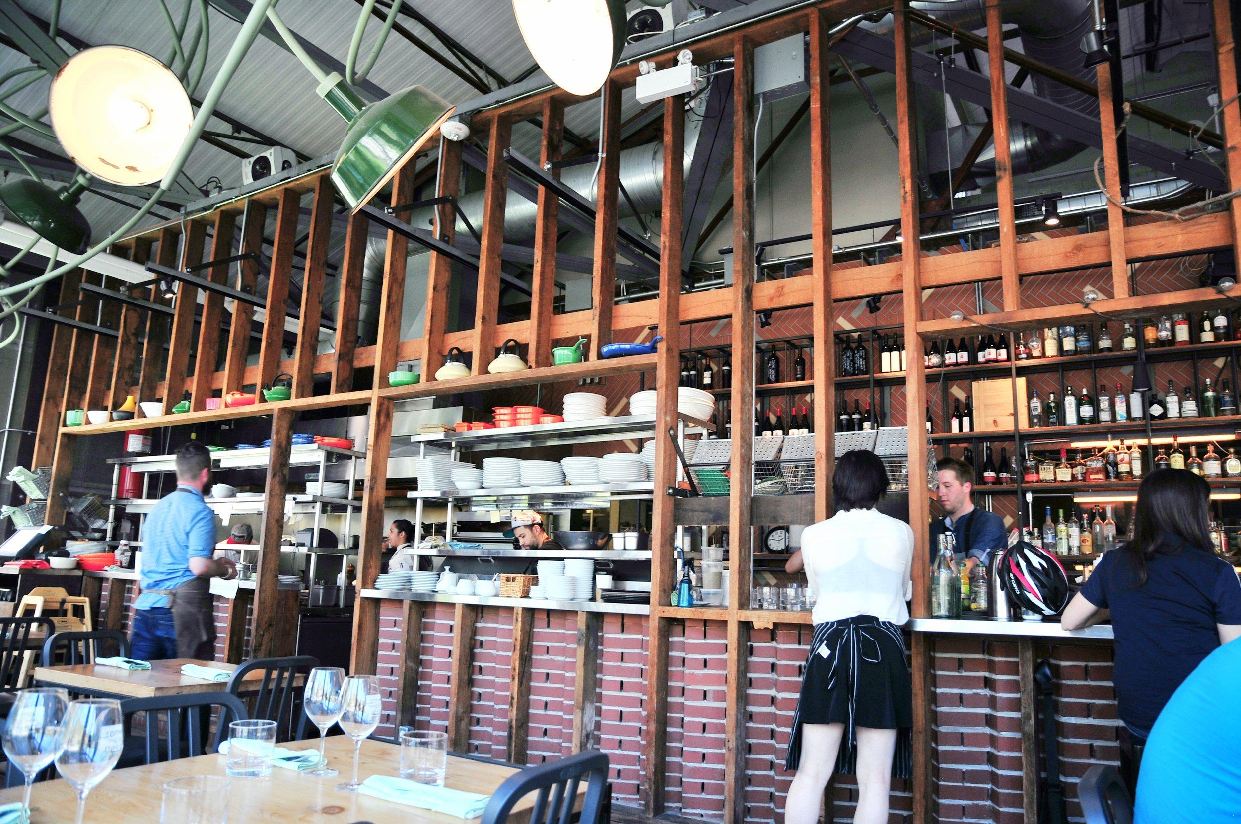 Café Belong  Interior: Bar | ebbony&lune