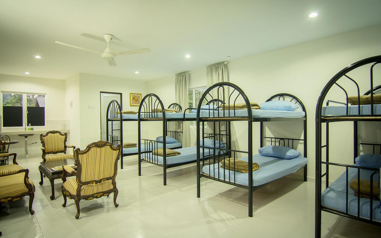 Alang Ria End House