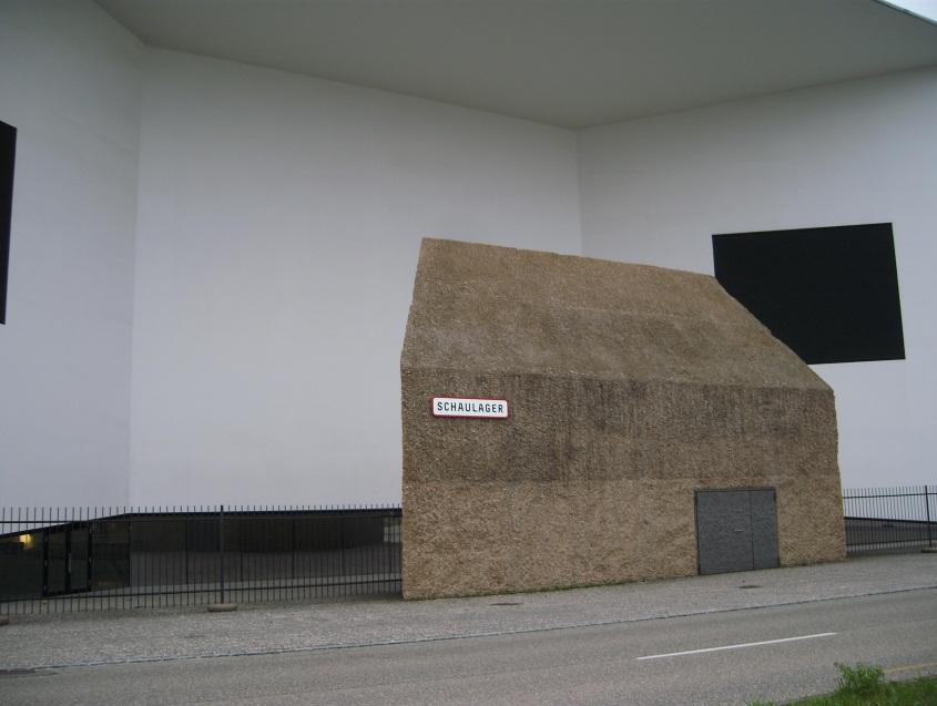 Eingang zum Schaulager