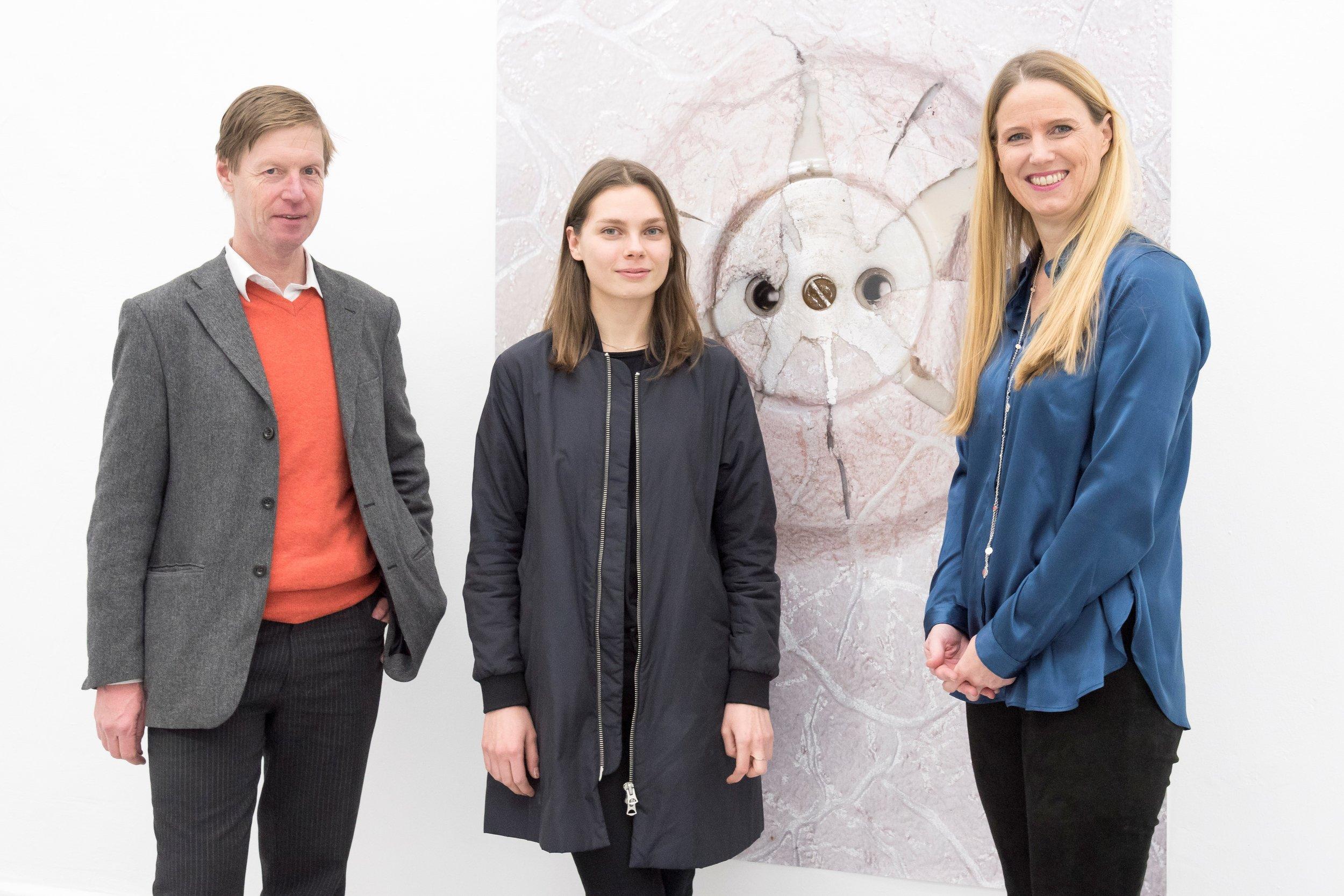 v.l.n.r.: Professor Dr. Fleck, Förderpreis-Stipendiatin 2018 Lucia Sotnikova, Dr. Friderike Bagel, Vorsitzende der Freunde und Förderer, Foto © Moritz Krauth.